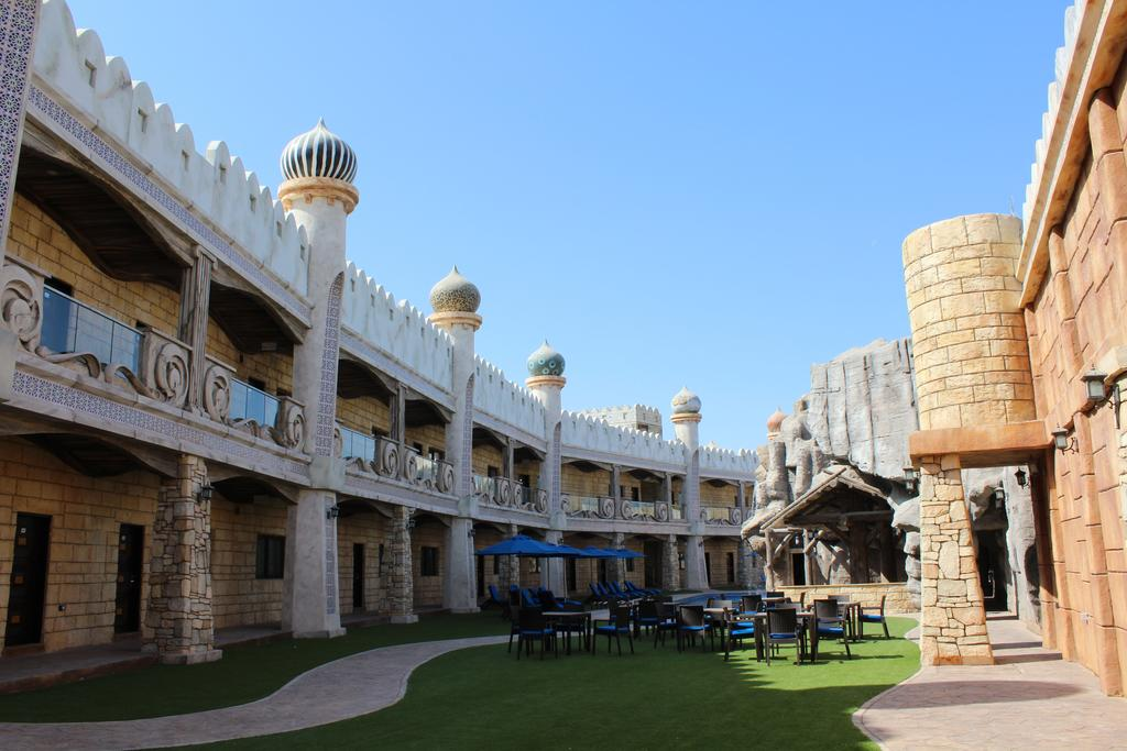 Emirates Park Zoo and Resort in Abu Dhabi