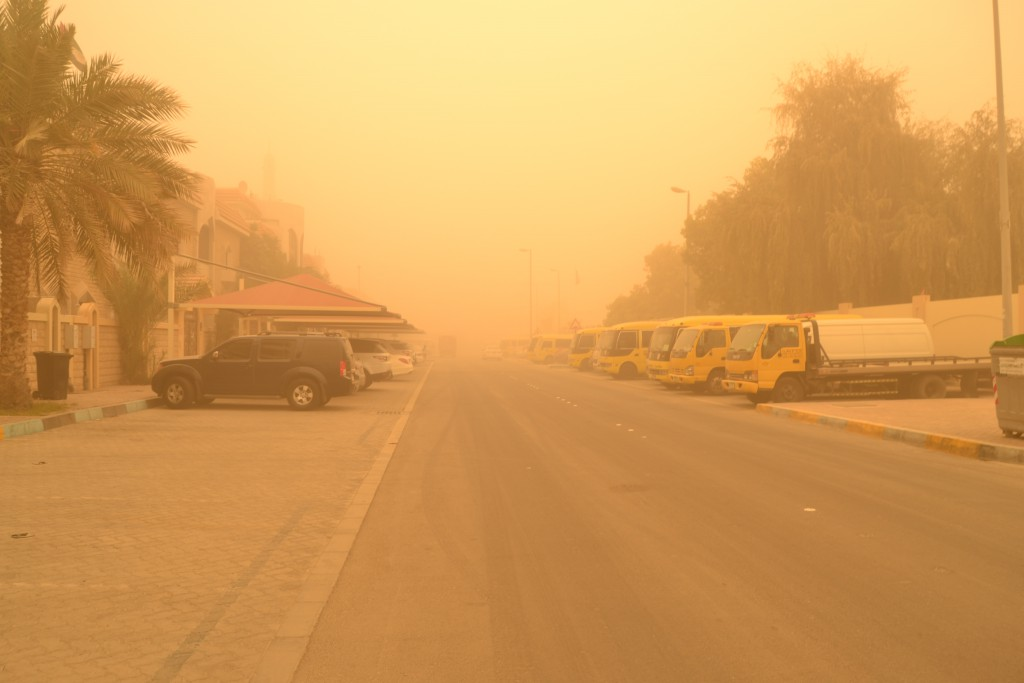 Abu Dhabi dust storm on April 2015 (2)