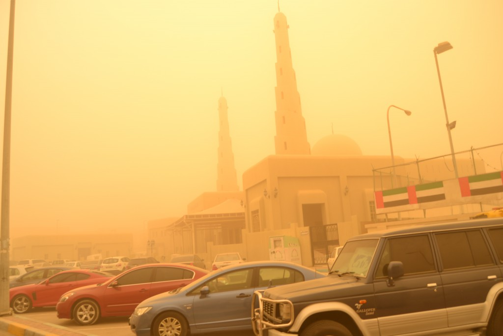 Abu Dhabi dust storm on April 2015 (6)