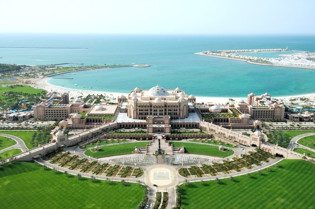 Emirates palace hotel a seven star luxury hotel in abu dhabi for Emirates hotel dubai