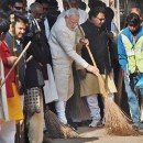 Prime Minister Modi sweeping the streets of Varanasi as part of 'Swacch Bharat Abhiyaan'