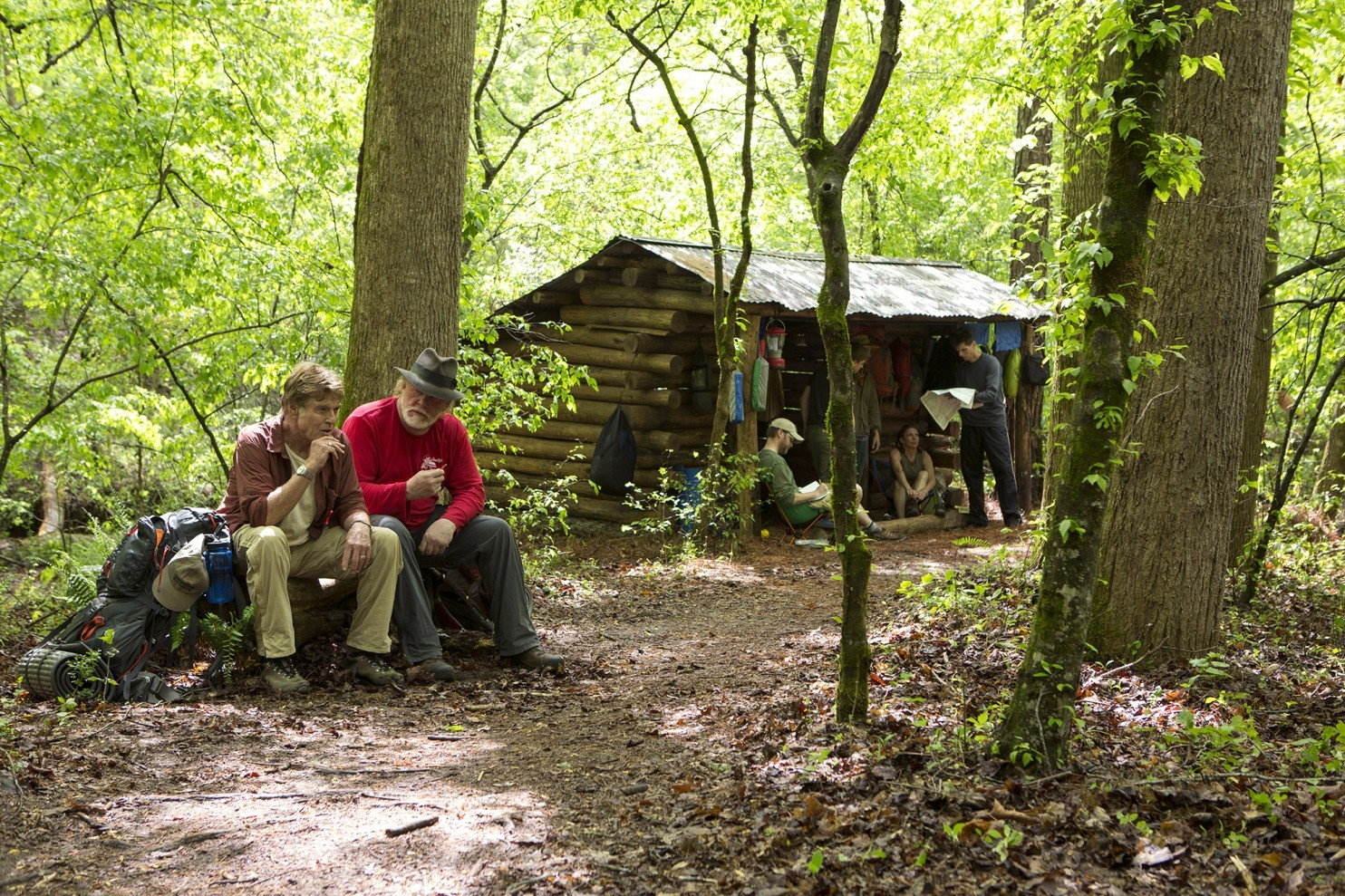 a walk in the woods A walk in the woods is the 2015 drama about a writer, bill bryson (robert redford), who after living in london for several years, heads back to the us with his wife catherine (emma thompson).