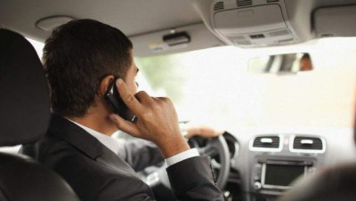 Campaign against using mobile while driving in Abu Dhabi