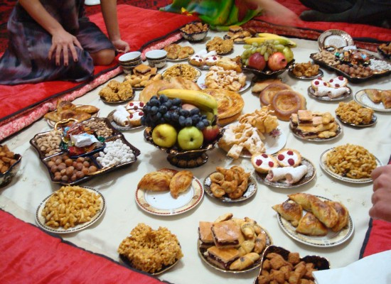 Download Arabic Eid Al-Fitr Food - Eid-ul-Fitr-celebration-food  Pic_95264 .jpg