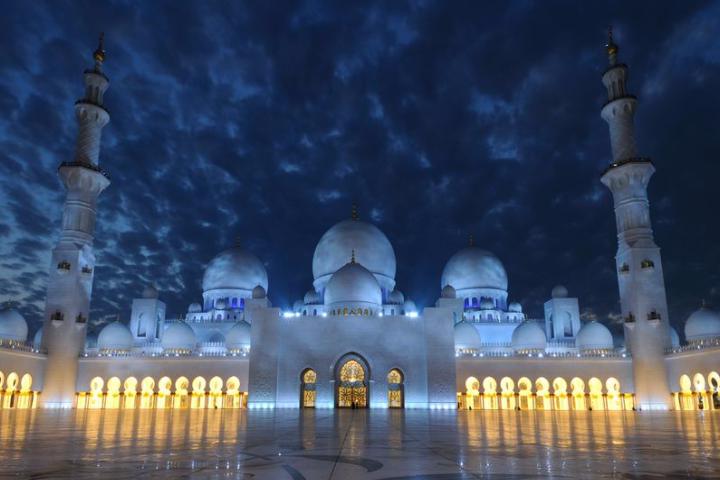 Sheikh Zayed Grand Mosque at Night