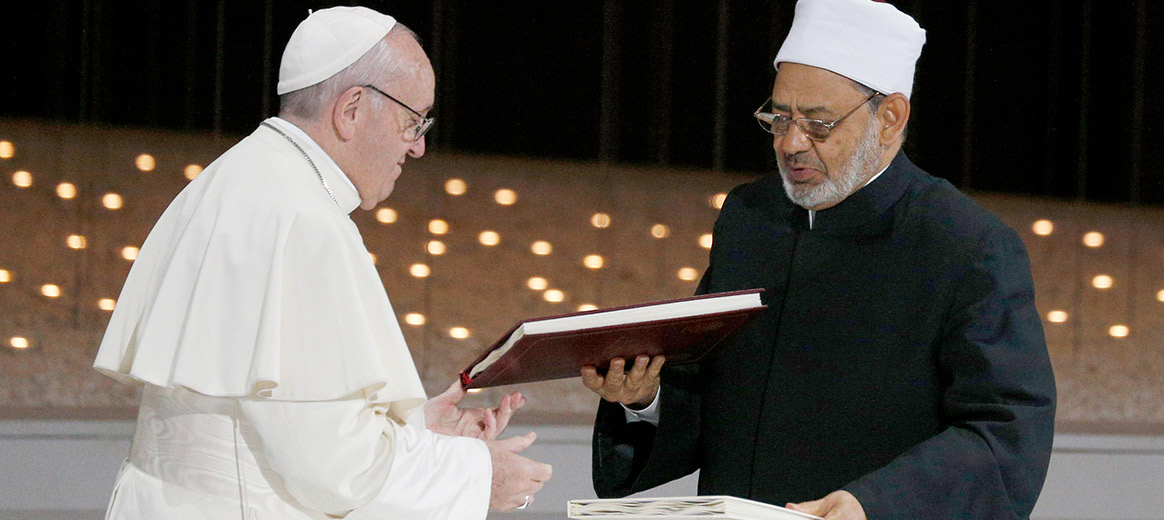 Grand Imam of Al Azhar, Pope Francis meet with Muslim Council of Elders
