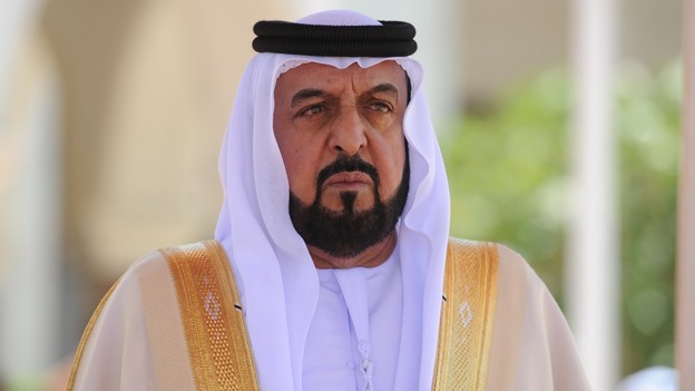 Sheikh Khalifa receives letter from Imran Khan